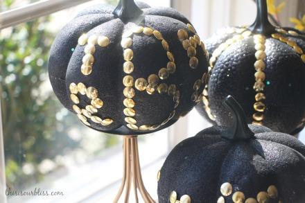 DIY Black & Gold pumpkins w Dollar Store thumb tacks Glitz & Glam Decor
