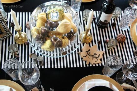 DIY gold thanksful book for thanksgiving table