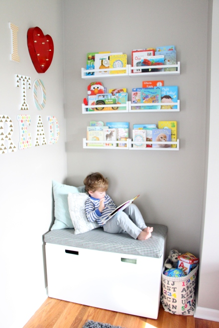 DIY Playroom Reading Nook + no sew Bench seat cushion + DIY shelves