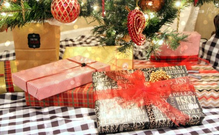 how to wrap pretty presents - sticker monogram embellishments - holiday wrapping ideas - gifts under the tree